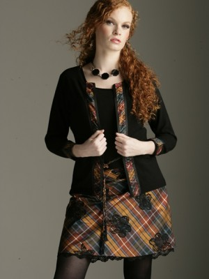 mini tartan skirt appliqued with lace